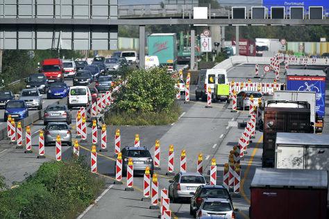 Baustelle auf der Autobahn 40 bei Bochum