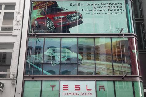 Audi und Tesla in Hamburg