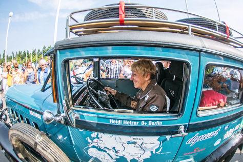 Heidi Hetzers Oldtimer-Weltreise