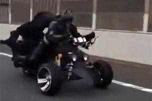 Batman auf der Autobahn