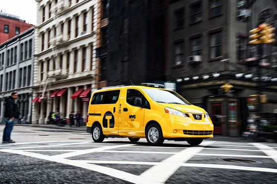 faszination mit dem nissan nv200 taxi durch new york. Black Bedroom Furniture Sets. Home Design Ideas