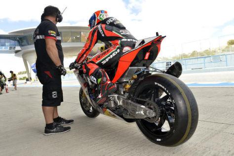 Die 2015er-MotoGP-Maschine wird einige Teile der RSV4 verwenden