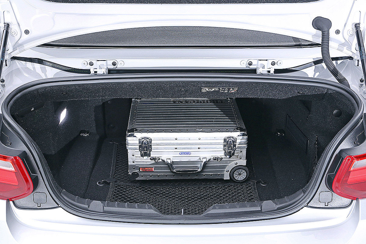 bmw 2er cabrio sitzprobe bilder. Black Bedroom Furniture Sets. Home Design Ideas