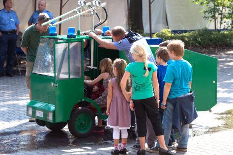Mini-Wasserwerfer beim Polizei-Tag in Berlin