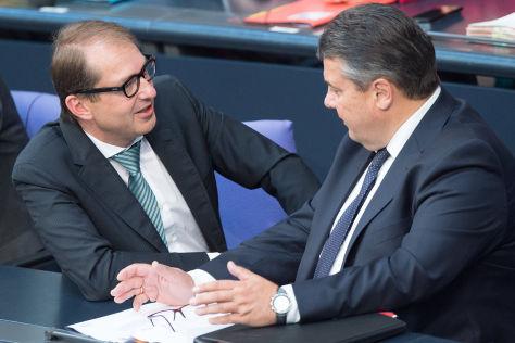 Verkehrsminister Dobrindt und Wirtschaftsminiter Gabriel