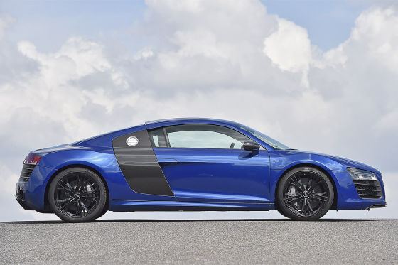 Audi R8 V10 Plus blau Seitenansicht