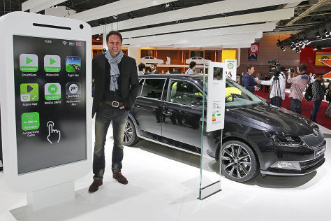 Connected Car in Paris 2014