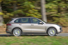 So f�hrt der Cayenne Plug-in-Hybrid