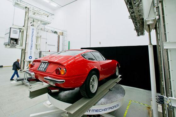 Röntgenaufnahme eines Ferrari