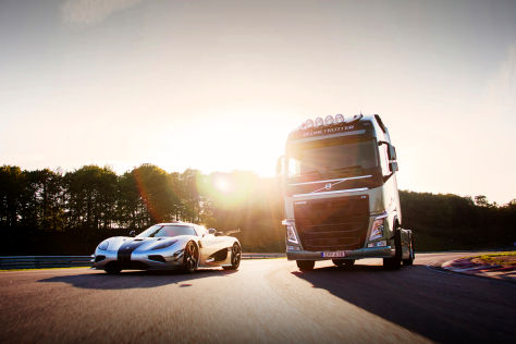 Volvo FH Truck vs. Koenigsegg