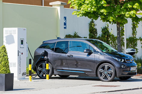 Förderungen von Elektro-Dienstwagen