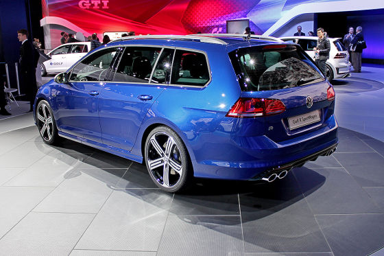 vw golf r variant la auto show 2014 sitzprobe. Black Bedroom Furniture Sets. Home Design Ideas