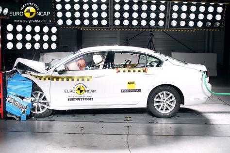 VW Passat (B8) Euro NCAP Crashtest Dezember 2014