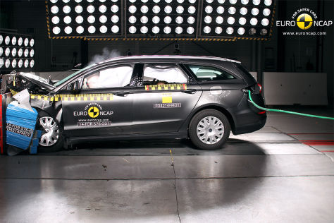 Ford Mondeo im Crashtest 2014