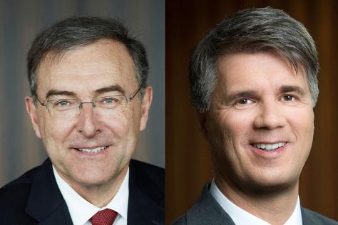 BMW-Vorstand Norbert Reithofer (l.) und sein Nachfolger Harald Krüger