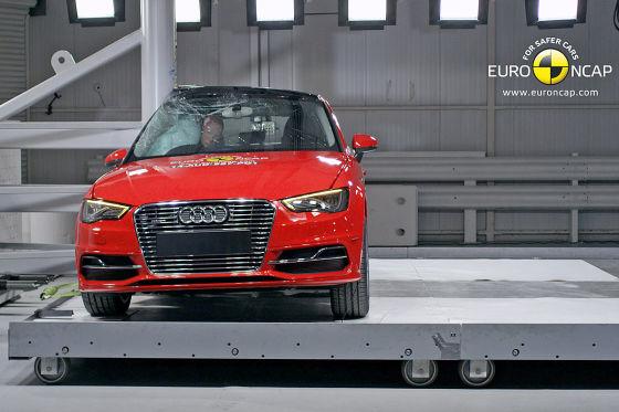Audi A3 Sportback e-tron Euro NCAP Crashtest Dezember 2014