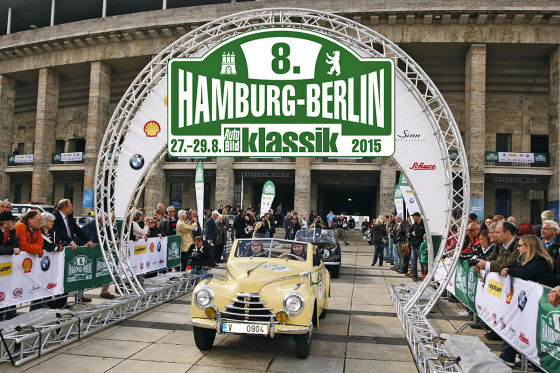 rallye hamburg berlin klassik 2015 vorbereitung auto bild klassik. Black Bedroom Furniture Sets. Home Design Ideas