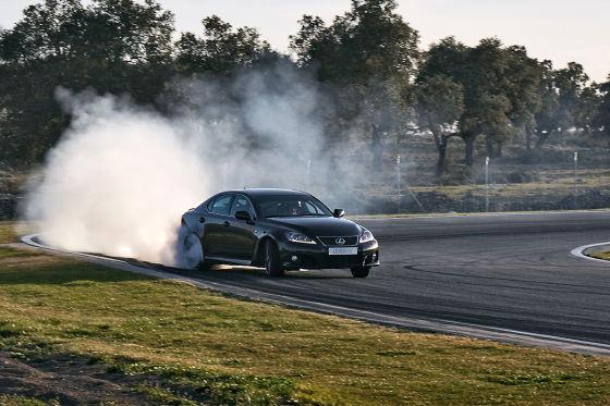 Driften im Lexus IS F