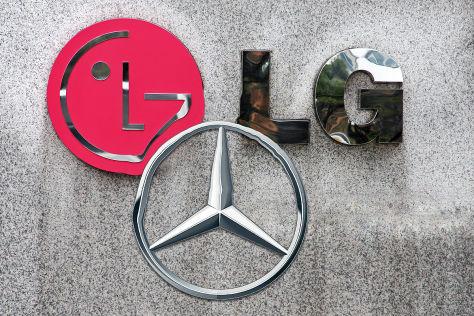 Mercedes LG-Montage