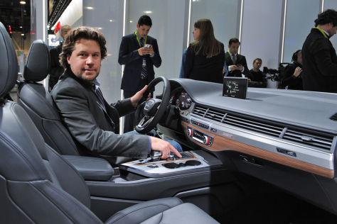 Audi Q7-Cockpit-Box (CES 2015): Sitzprobe
