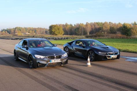 BMW M4 vs i8