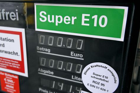 Zapfsäule für E10-Kraftstoff
