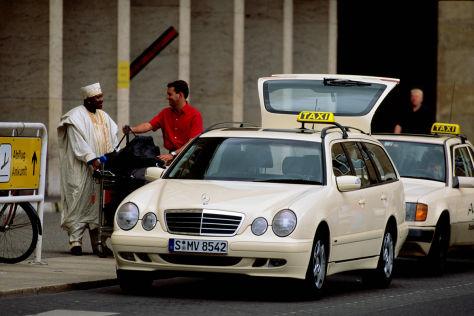 Mercedes E-Klasse als Taxi
