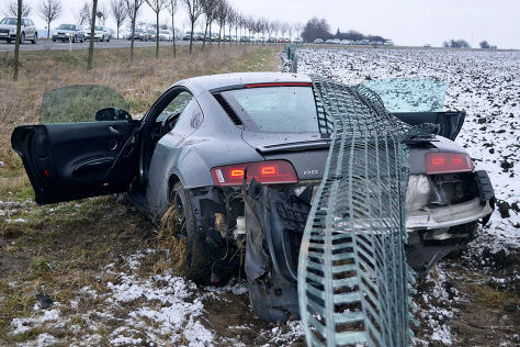 Audi R8 bei Probefahrt gecrasht