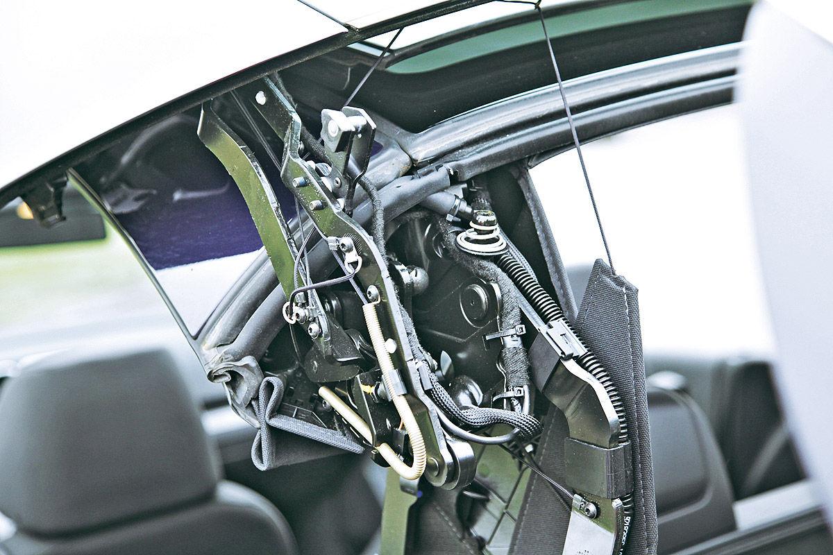 stoffdach gegen blechdach gebrauchte cabrios im test bilder. Black Bedroom Furniture Sets. Home Design Ideas