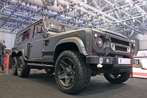 Land Rover Flying Huntsman 6x6 Concept