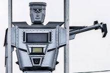 Robocop auf der Kreuzung