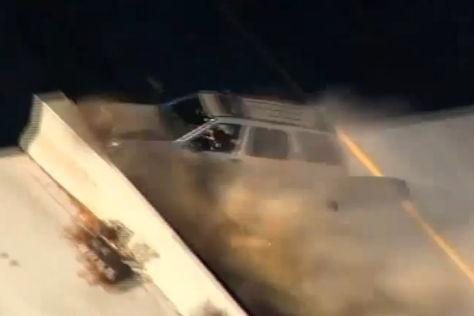 Verfogungsjagd in Kalifornien endet mit Crash