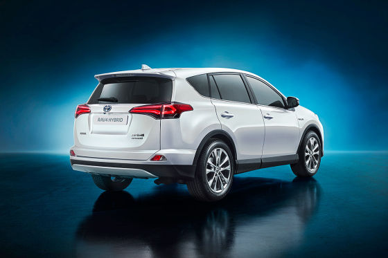 toyota rav4 hybrid new york 2015 vorstellung. Black Bedroom Furniture Sets. Home Design Ideas