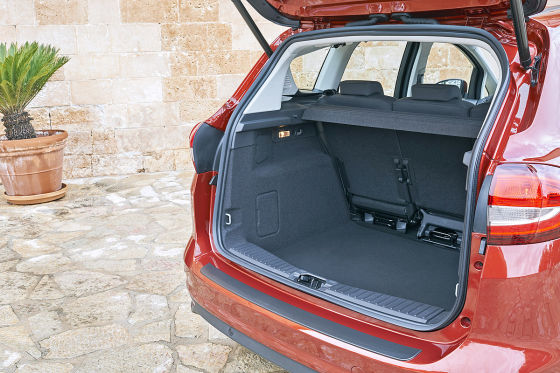 ford c max facelift 2015 fahrbericht. Black Bedroom Furniture Sets. Home Design Ideas