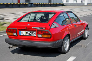 Generationenvergleich: Alfa Romeo Alfetta