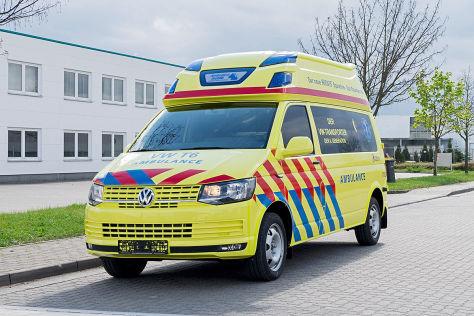 RETTmobil 2015: Rettungsfahrzeuge von VW, Mercedes, Opel, BMW