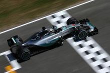 Hamilton in Barcelona vor Vettel
