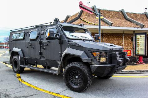 Gepanzerter Truck Pit Bull XL: Fahrbericht