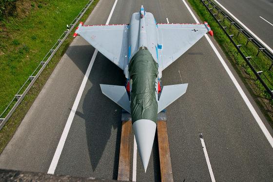 Eurofighter bremst Autos aus