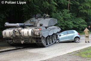 Panzer zermalmt Toyota