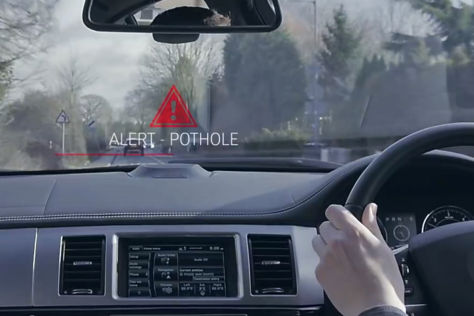 Connected Car: Land Rover entwickelt Schlagloch-Warner