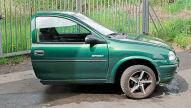 Halber Opel Corsa bei Ebay: PR-Aktion