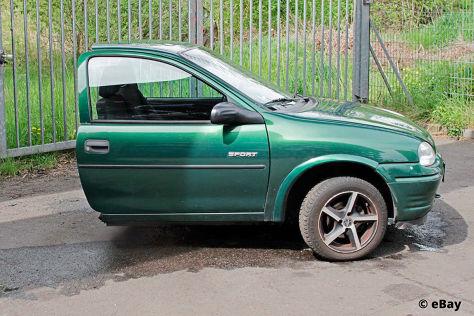 Halber Opel Corsa bei Ebay