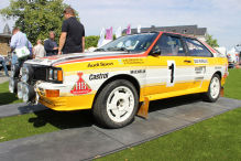Raue Rallye-Legenden vor feudaler Kulisse