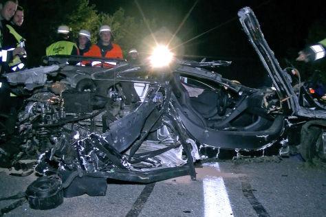 Mit 240 km/h: McLaren-Crash auf der A95