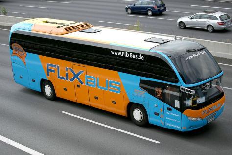 Umstrittenes Tempolimit für Reisebusse