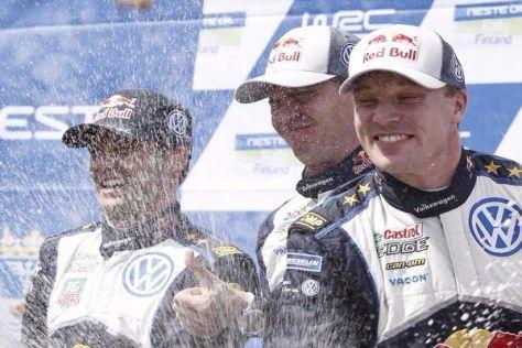 Jari-Matti Latvala (rechts) triumphierte erneut bei seiner Heimrallye