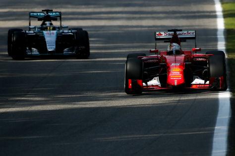 Lewis Hamilton fuhr auch im zweiten Freien Training zur Bestzeit