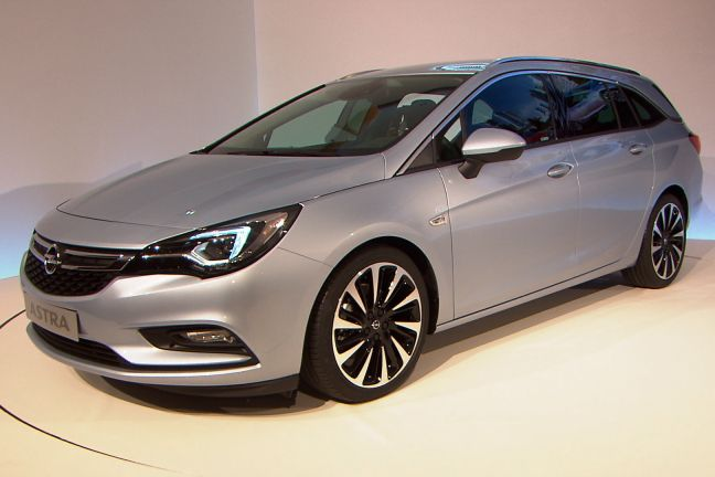 video opel astra sports tourer iaa 2015. Black Bedroom Furniture Sets. Home Design Ideas