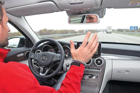 Alexander Dobrindt im autonomen Audi A7